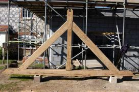 The completed king post truss