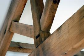 King post trusses